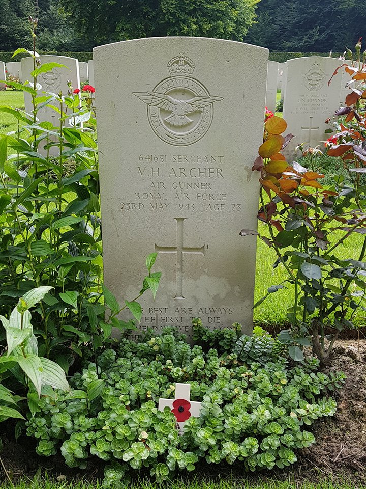 Archer_Victor_Harry_grave