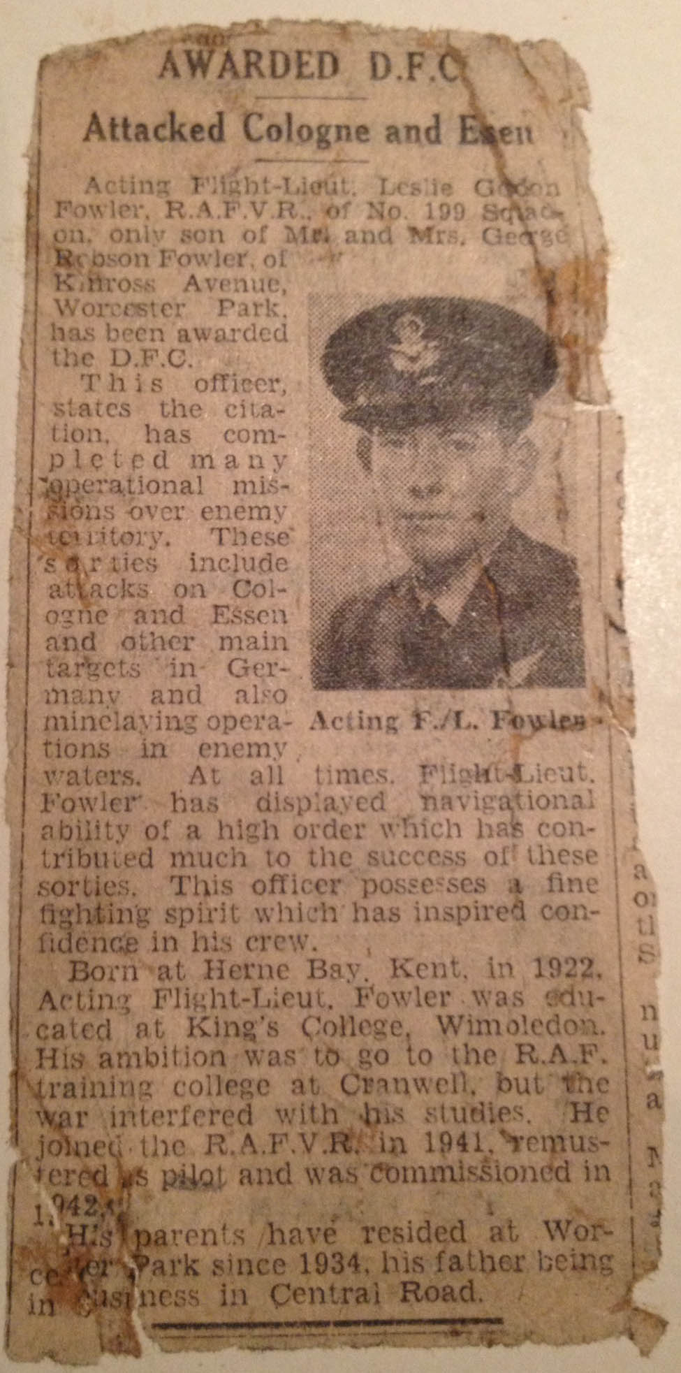 Fowler_Leslie_Gordon_newspaper_DFC_1