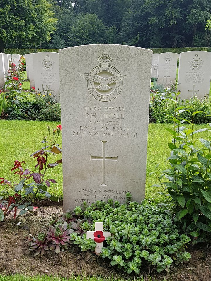 Liddle_Peter_Harold_grave